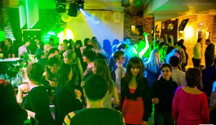 Ночной клуб саун стриптиз в гей клубе i