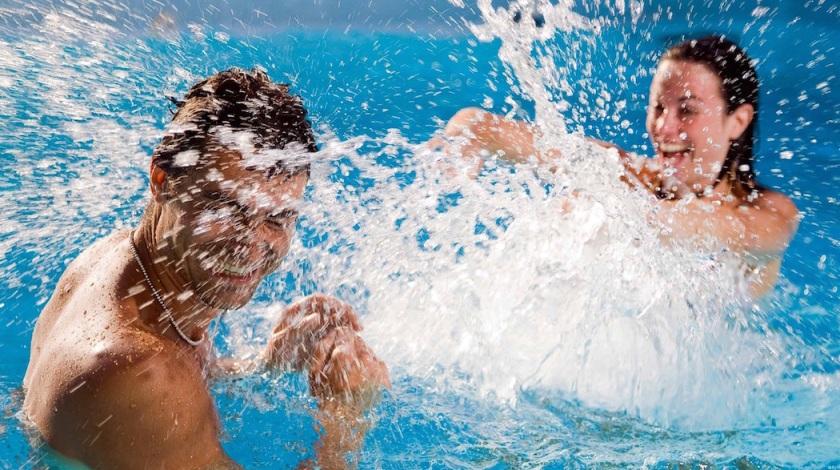 При оплате трех часов в бассейне — четвертый час в подарок!